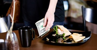 server-restaurant-tips-worker