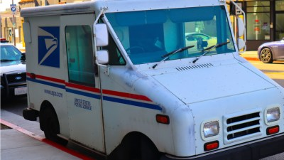 postal-service-USPS-mail-truck