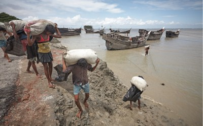 Rising sea levels threaten lives and livelihoods in populous, low-lying countries like Bangladesh (Shutterstock)