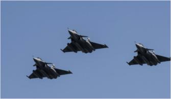 Egypt-Libya - Egyptian Air Fair destroys vehicles carrying weapons from Libya