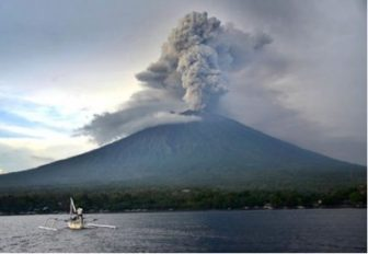 indonesia volcano evacuate
