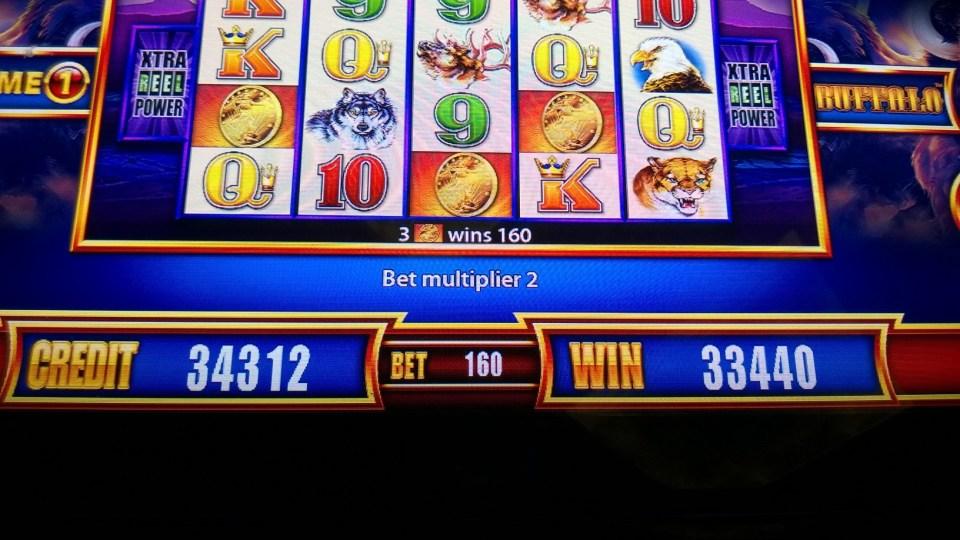 City Life 2 Slot Machine
