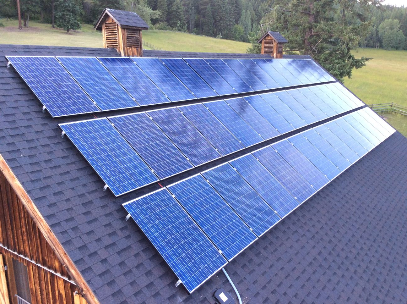 Grid Tie Solar Power Installation With 45 Solar Panels And