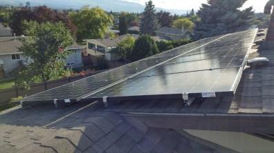 300W-Canadian-Solar-Panels-on-shingled-roof