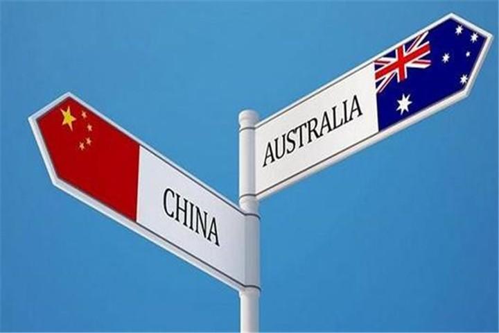 祸不单行?伊朗海军最大舰艇起火沉没,同天炼油厂又发生严重火灾