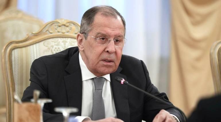 突遭3个威胁!美激光战舰挑衅,印导弹监测船下水,韩发射潜导