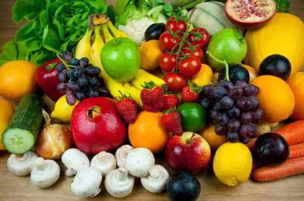 ANtioxidanti-in-legume-si-fructe-600x398