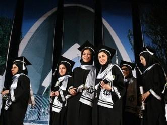 Univ-students-Iran-graduation1