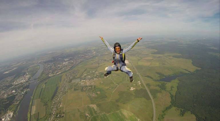 Fatemeh-Akrami-Iranian-female-skydiver-2