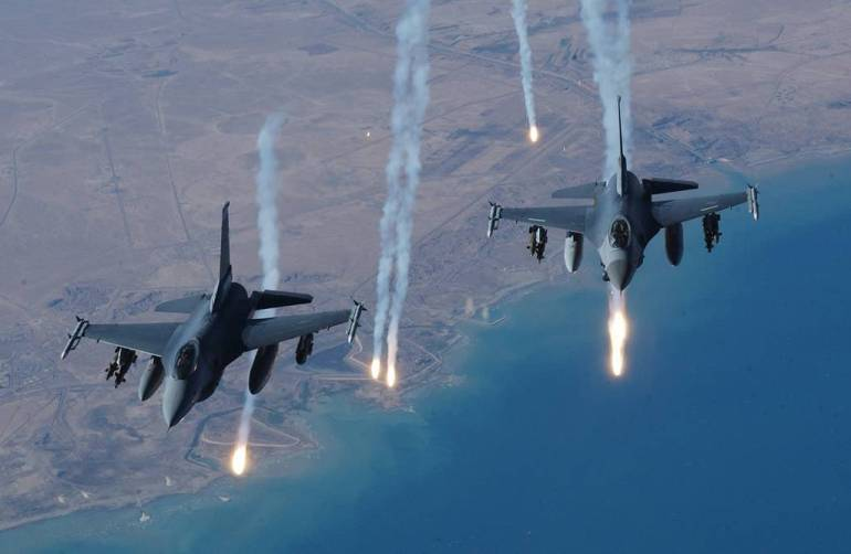 AIR_F-16s_USAF_Iraq_lg