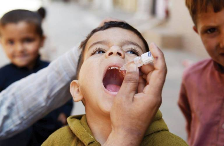 polio-vaccination-in-Iran