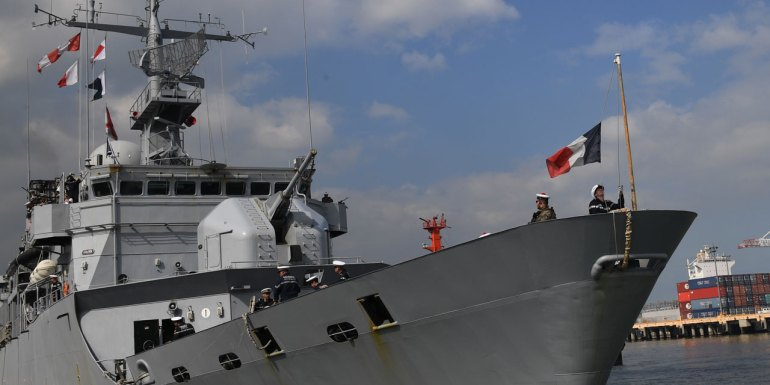 Un-navire-francais-intercepte-par-la-marine-chinoise-dans-le-detroit-de-Taiwan-debut-avril