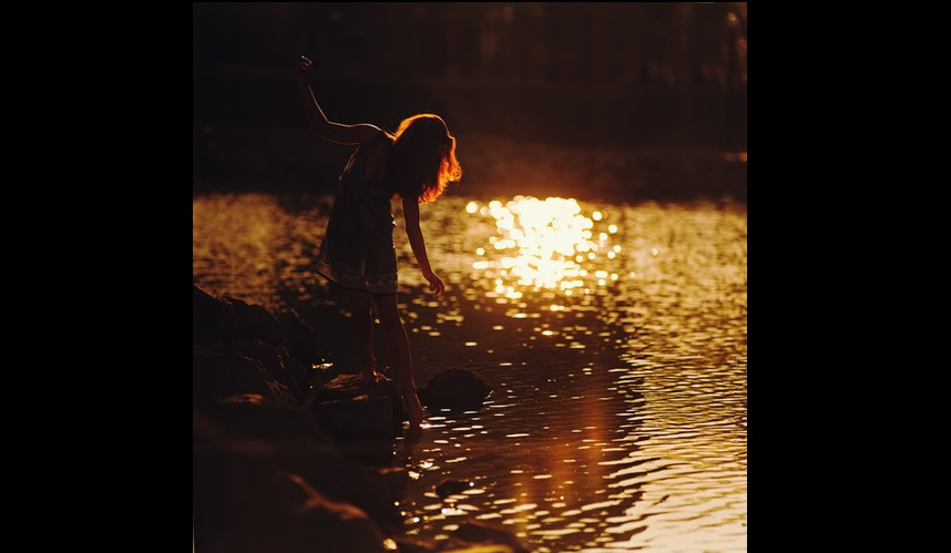 ليث حمودي - على ضفاف الذكريات
