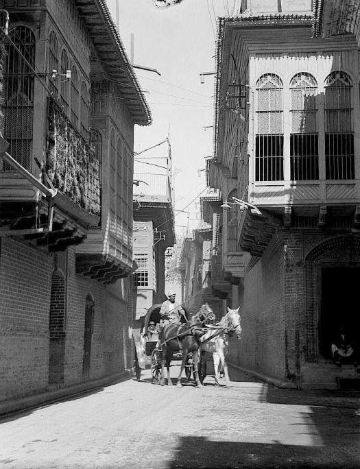 أحدى الأزقة في بغداد