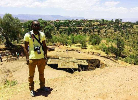 Devant l'Eglise entrerrée Bet Giyorgis_Lalibela_Ethiopie