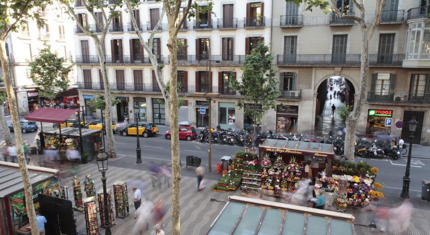 La Rambla Barcelona Visit Las Ramblas Hotels Near