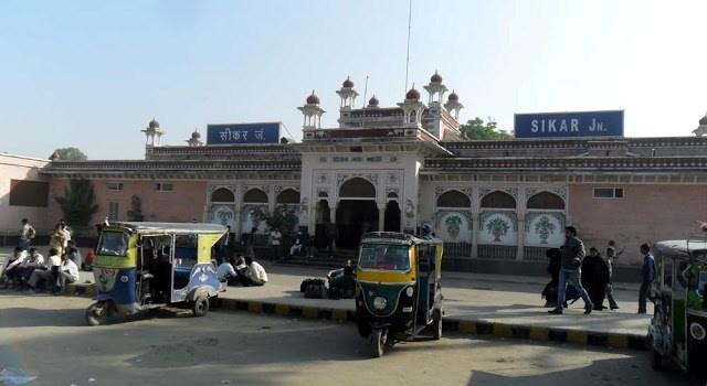 02085 Sikar Churu Passenger Train