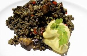 Receta de arroz negro con Sepia y Alioli