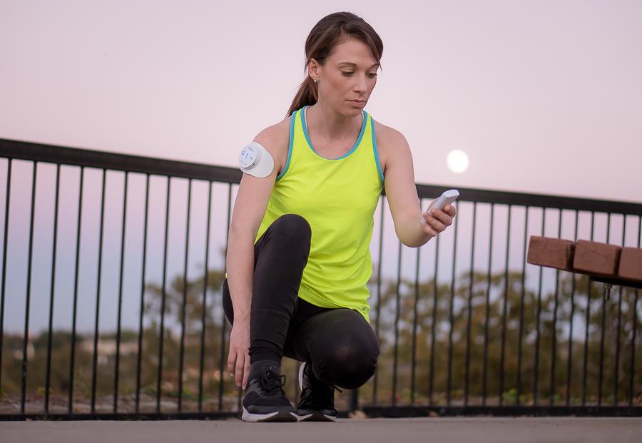 wireless TENS EMS muscle stimulator remote control