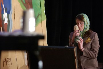 Maegan Easter as Mrs Rosner_6110708071_o