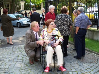 Child survivor, Renata Zajdman comes into the Foreign Ministry Palace for the 2011 Irena Sendler Awards