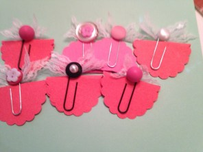 pink-button-and-bows