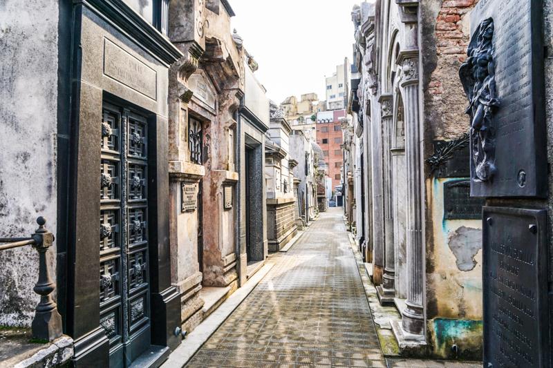 Recoleta-Cemetery-40