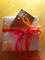 Homemade Gift Wrap From Wax Paper Allfreeholidaycrafts