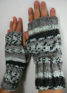 Fingerless Mittens : fingerless, mittens, Needle, Fingerless, Mitts, AllFreeKnitting.com