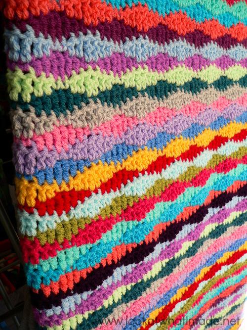 Lazy Waves Crochet Blanket Pattern