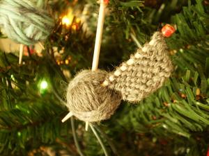 27 Knit Christmas Tree Ornament Patterns For 2020 Allfreeknitting Com