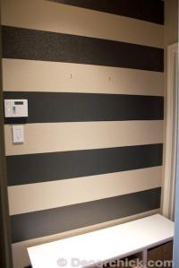 Painting Stripes on Walls | DIYIdeaCenter.com