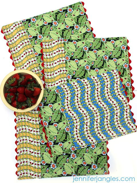 Reversible DIY Placemat Patterns  AllFreeSewingcom