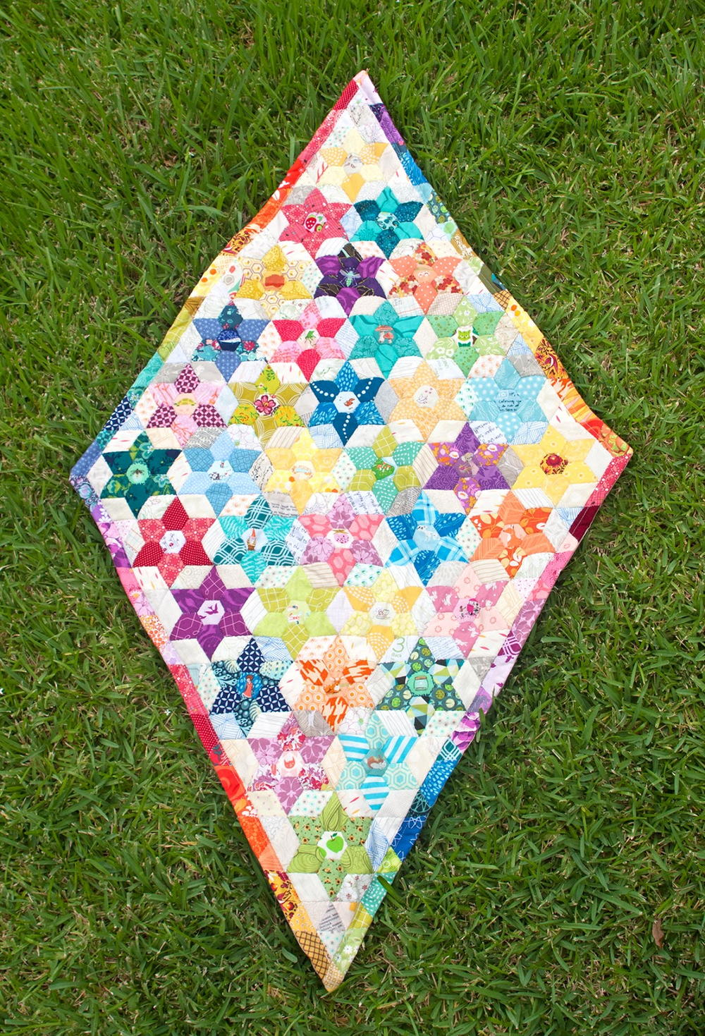 Diamond Triangle Quilt Pattern  FaveQuiltscom