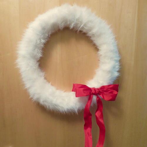 Fun Faux Fur Diy Wreath Allfreechristmascrafts Com