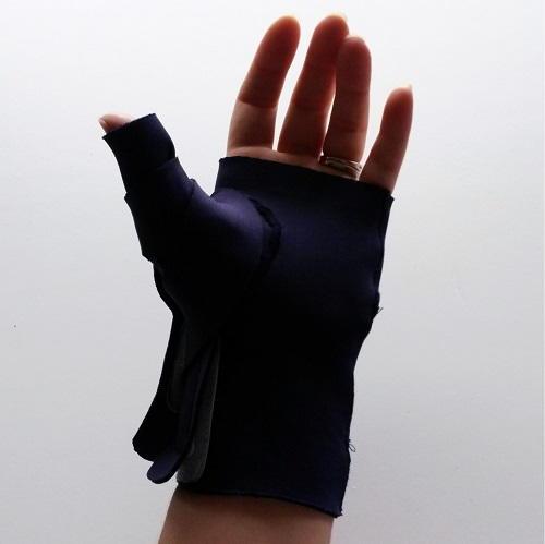 DIY Neoprene Thumb Splint  AllFreeSewingcom