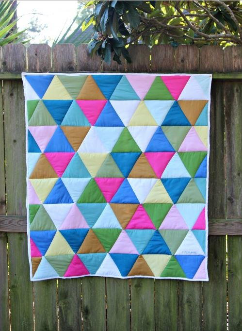 OneDay Triangle Quilt Tutorial  FaveQuiltscom