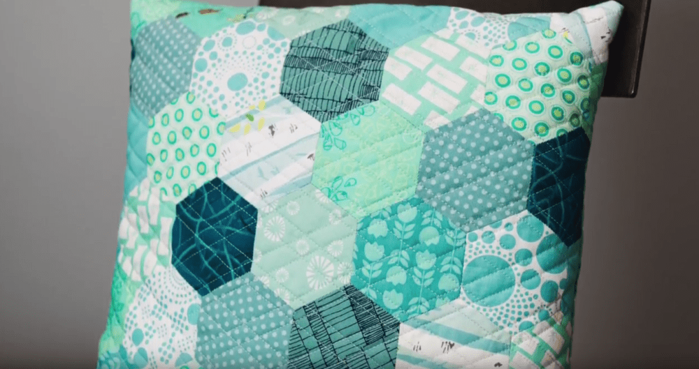 English Paper Piecing Hexagons Tutorial  FaveQuiltscom