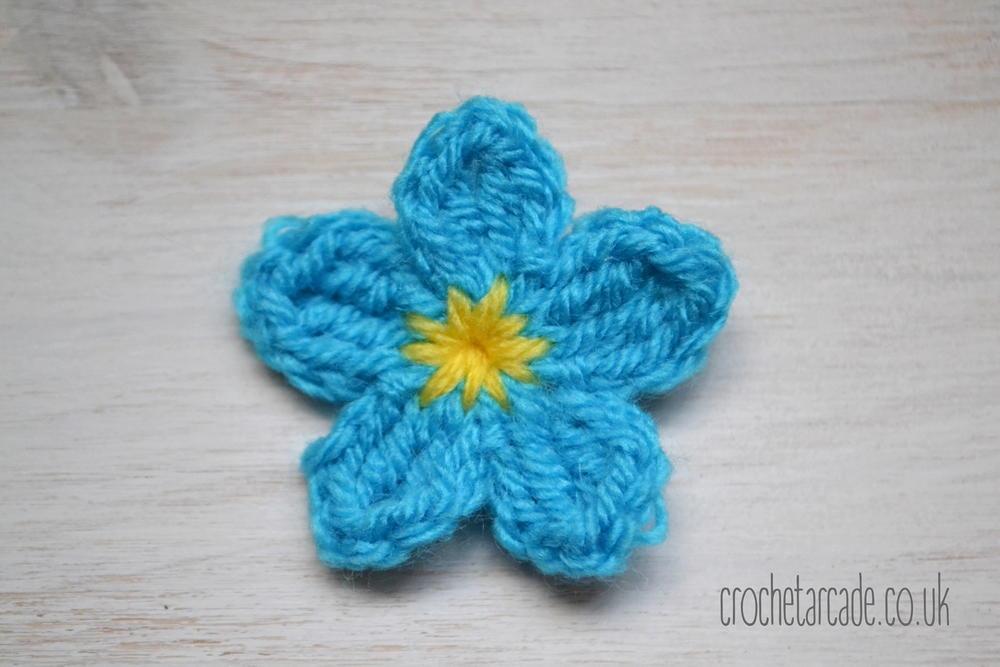 ForgetMeNot Flower  AllFreeCrochetcom