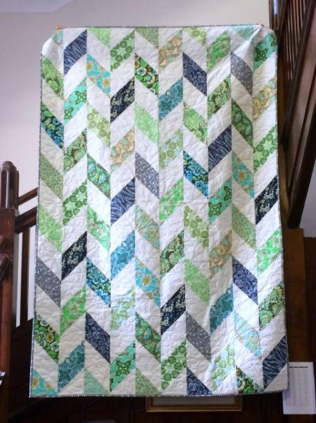 Daisy Chain Strip Quilt Tutorial  FaveQuiltscom