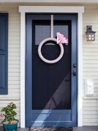 Giant Diamond Ring Door Decor | AllFreeDIYWeddings.com