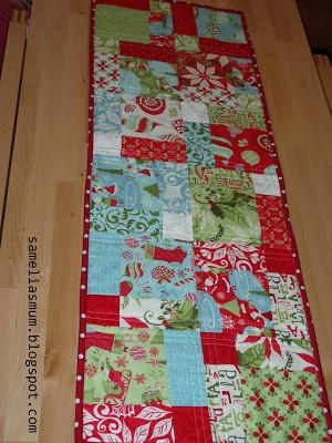 Quilted Christmas Table Runner Patterns Free Easy : quilted, christmas, table, runner, patterns, Quick, Christmas, Table, Runner, FaveQuilts.com