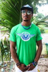 i rep salone colored t shirt green