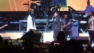 Buju Banton promotes unity; Gargamel invites Police Commissioner on stage