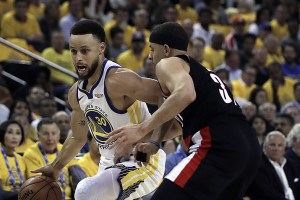 Golden State Warriors makes hot start in NBA Western Conference finals