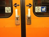 U-Bahn Türen, kurz ziehen