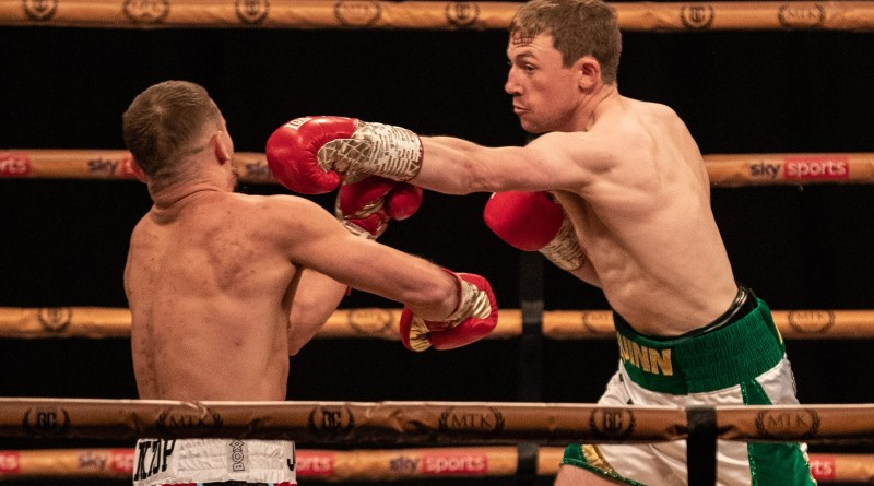Artistic bully Feaghus Quinn dominates Scott James on Golden Contract card