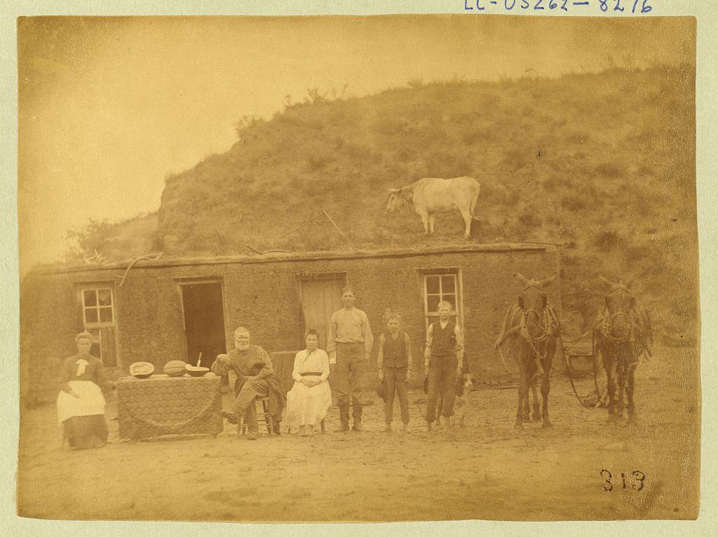The Rawding Family homestead in Nebraska, 1886 (Library of Congress)