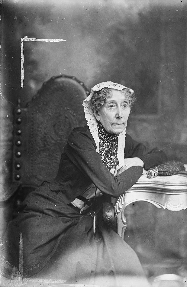 An elderly woman in the early 20th century Library of Congress