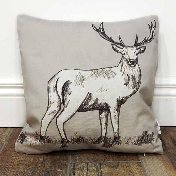 deer-cushion_600